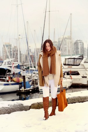 white skinny Joe Fresh jeans - brown Sole Society boots