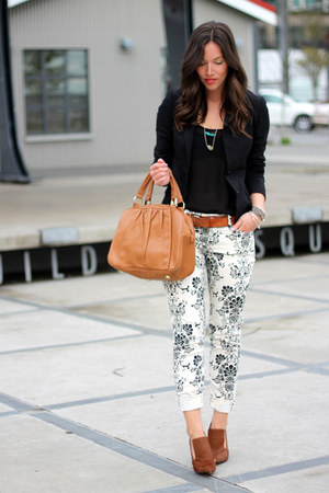 black Club Monaco blazer - white skinnies floral Fidelity Denim jeans