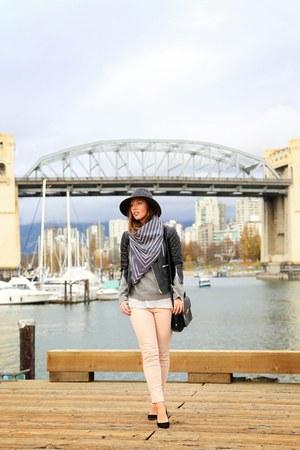 black leather Walter Baker jacket - light pink skinny jeans American Eagle jeans