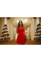 red feminine H&M dress - silver clutch Club Monaco bag