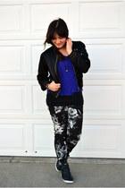 blue H&M shirt - black floral print Mossimo jeans