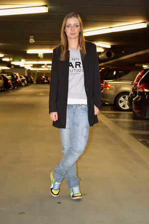 Zara jeans - Mango sweater - H&amp;M blazer - Sacha sneakers