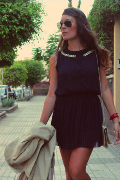 navy kling dress