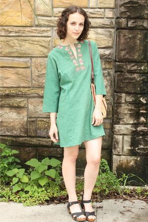 green httpstoresebaycomTwitchVintage dress - beige vintage purse - black Zara sh