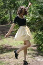 Black-target-t-shirt-yellow-httpstoresebaycomtwitchvintage-skirt-white-thrif