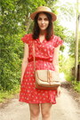 Tan-straw-boater-thrifted-hat-red-floral-print-twitch-vintage-dress