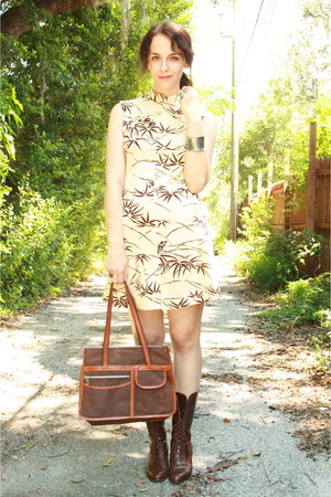 ivory bamboo print Twitch Vintage dress - dark brown via ebay vintage boots