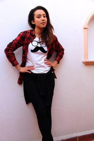 white mustache El Mostacho t-shirt - brick red Pull & Bear shirt