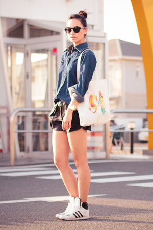 H&amp;M shorts - vintage shirt - INVERTED COMMAS bag - H&amp;M sunglasses
