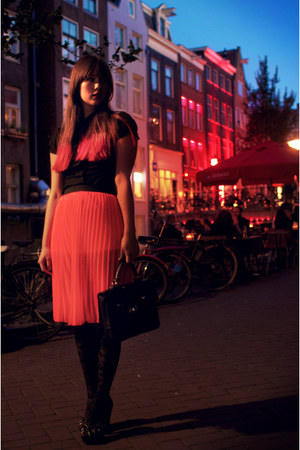 hot pink H&M skirt - black H&M blouse - black Primark heels