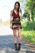 brick red Zara skirt - dark khaki Boüret belt