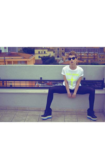 black Calzedonia leggings - black Ray Ban sunglasses