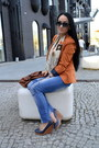 Navy-skinny-house-jeans-carrot-orange-reserved-blazer