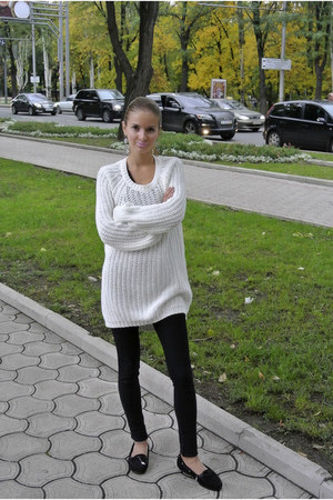 Mango sweater - Luciano Carvari shoes - Wagoon leggings