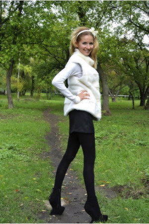 Luciano Carvari shoes - sassofono sweater - Pierre Balmain skirt