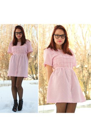 cage heels Forever 21 shoes - bubble gum Vantage Point Vintage dress - wayfarer