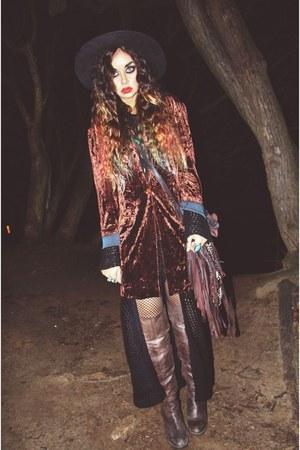 velvet vintage blazer - over-the-knee bronx boots