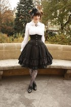 black Ophelia without Eye skirt - white Anna House blouse