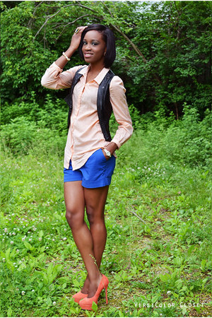 blue H&M shorts - light orange Jessica Simpson pumps