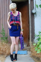 purple Thrifted Mexican bag - blue Forever 21 skirt - red Chloe K top - tan Kenn