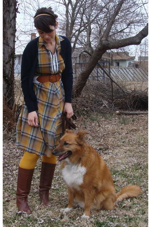 blue cardigan - gold HUE tights - dress - brown boots - white belt