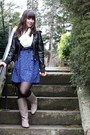 Beige-feet-first-boots-blue-forever-21-dress