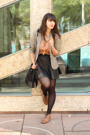 black faux leather H&amp;M skirt - beige H&amp;M blazer - nude H&amp;M top