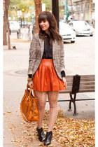 burnt orange leather Alice & Olivia skirt - black Aldo boots