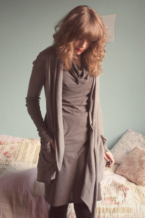 tan allsaints dress - heather gray allsaints cardigan - black allsaints leggings
