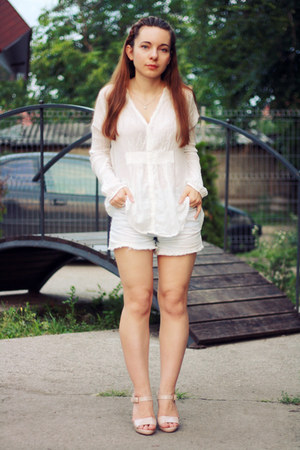 white cotton rabens saloner shirt - white denim vintage shorts