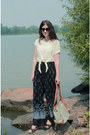 Lime-green-bag-navy-vintage-pants-ivory-maison-simons-t-shirt-zara-clogs