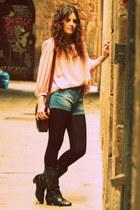 vintage boots - Zara shorts - Topshop blouse