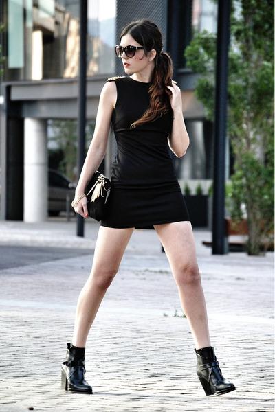 Love dress - leather Zara boots - pull&bear bag - Mango sunglasses