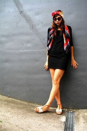 black H&amp;M dress - red aigner scarf - red aigner scarf