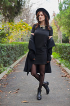 black Polo Garage coat - black Zara hat - gold sammydress necklace