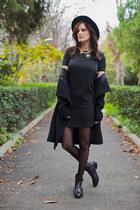 black Polo Garage coat - black Zara hat - gold sammydress necklace