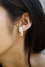White-vinca-earrings