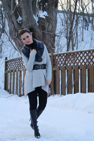 black Aldo boots - beige Urban Outfitters sweater - black Smart Set belt