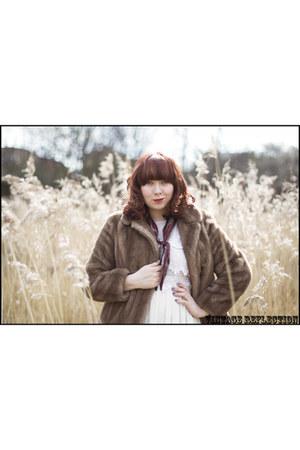 brown faux fur vintage coat - white Topshop dress