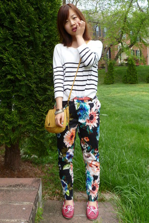 black H&M pants - white Forever 21 sweater - gold Lucky Brand purse