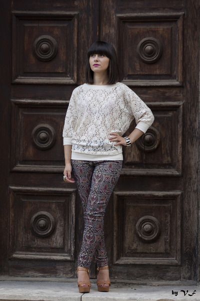 eggshell chicnova blouse - tan Stradivarius sandals - brick red Zara pants