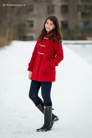 red Simons coat - black Hunter boots