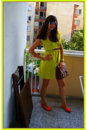 H&M dress - Stradivarius bag - H&M flats - H&M belt - Pierre Lannier watch