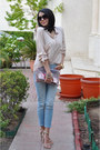Light-blue-zara-jeans-beige-bershka-shirt-iconic-bag