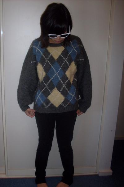 LDS sunglasses - JayJays jeans - dads sweater