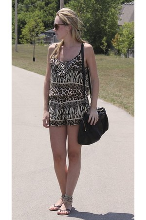 Atmosphere romper