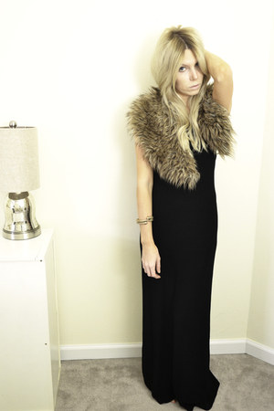 brown faux fur pins and needles scarf - black maxi dress vintage dress