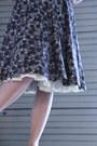 Ivory-the-dress-shop-necklace-brown-1950s-cotton-wallflower-vintage-dress