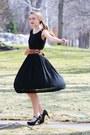 Black-wallflower-vintage-dress-dark-brown-thrifted-vintage-belt-black-victor