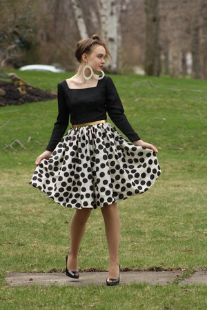black 1950s silk WallflowerVintagecom dress - black Victorias Secret pumps - whi